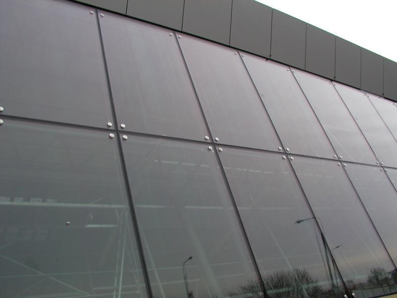 Structural facade - Izolas   Saint-Gobain řešením je sklo